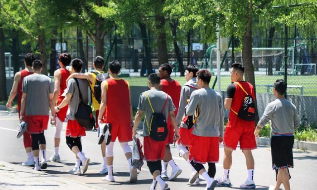 中国男篮进行首次人员调整!5名球员提前离队 未来一周将再裁人 全球新闻风头榜 第2张