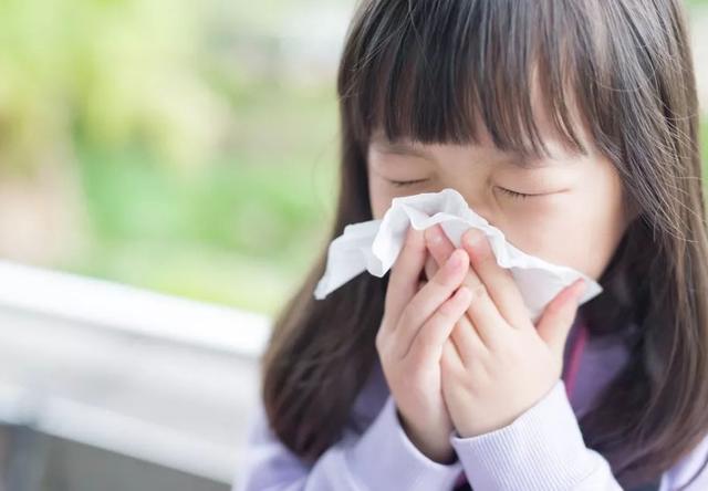 """婴儿咳嗽,宝宝""""咳嗽""""吃啥药都不见好?家长做好这3件事,比吃药更有效"""