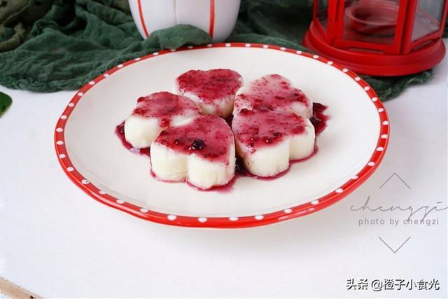 """蓝莓山药的做法,年夜饭甜点""""紫气东来"""",香甜滑糯,老人孩子都能吃,好做不失败"""