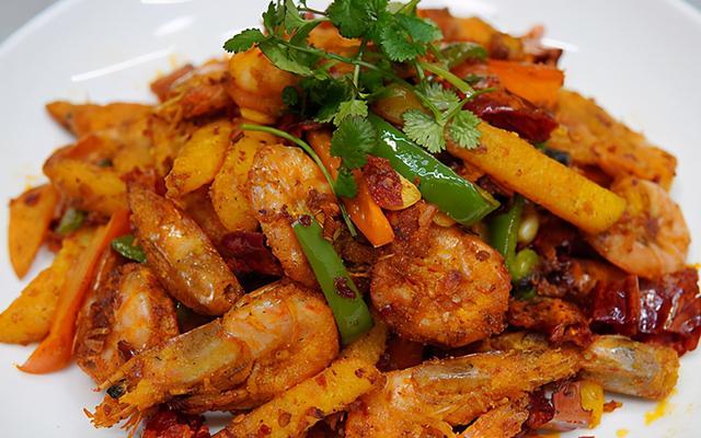 香辣虾的做法,快过年了,准备一道拿手菜,香辣虾,酥脆过瘾,年夜饭上露一手