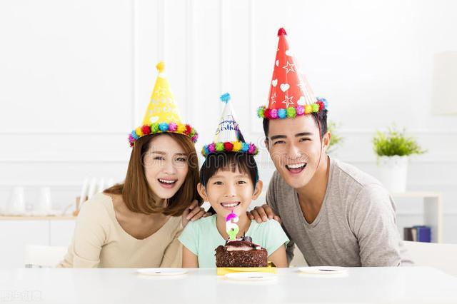 生日英语祝福语,英语双语作文写作练习 方策的生日
