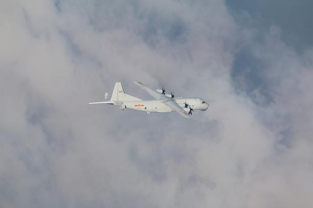 解放军军机在台湾东部空域双向对飞,台军方:列可能方案 全球新闻风头榜 第1张