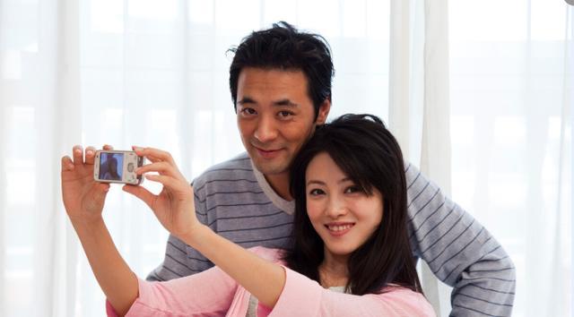 男生太大进不去怎么办,女人嫁给小鲜肉,会幸福吗?46岁女人:他要求太多,我满足不了
