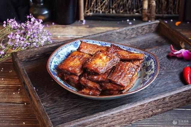 红烧带鱼的家常做法,红烧带鱼的做法