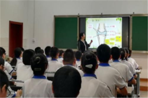 展示,交流,研讨,提高——淄川区初中生物教学研讨会召开