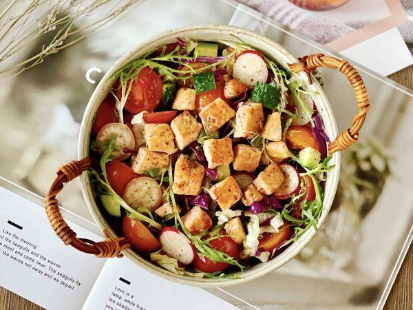 三文鱼的吃法,清爽低卡的三文鱼蔬菜沙拉