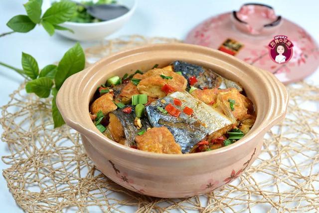 干豆腐的做法大全,鲅鱼干豆腐煲:鲜味十足,一咬爆汁,超级下饭