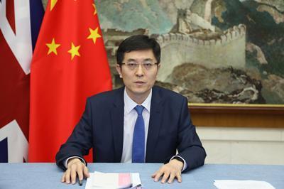 中国驻英使馆临时代办杨晓光接受BBC采访,批驳涉港错误言论