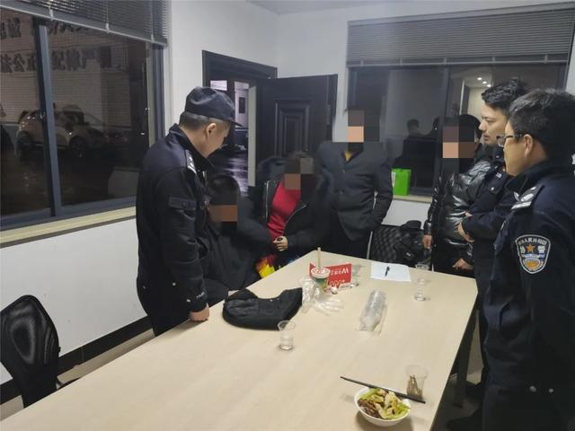 杭州27岁男子带铁锹到公墓活埋自己,见到民警后崩溃… 全球新闻风头榜 第3张