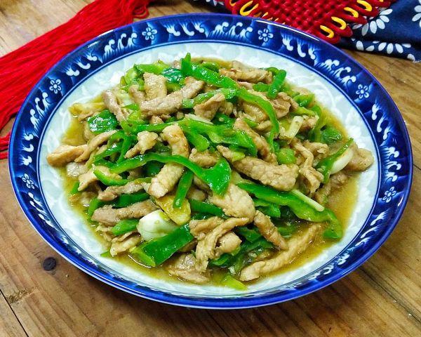 青椒肉丝的做法,家常菜青椒肉丝~肉质嫩滑不柴,超下饭