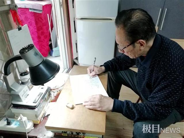 百年漫画,一支画笔寄深情,7旬老人创作10余幅漫画献礼百年光辉历程