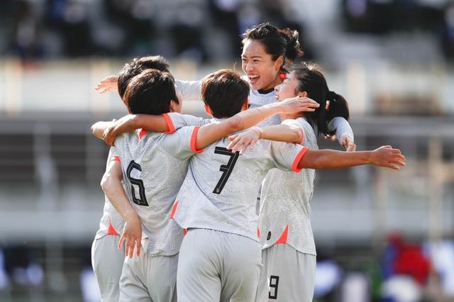 人民日报评女足战胜韩国:这场艰苦的胜利,提振了中国足球的信心 全球新闻风头榜 第1张