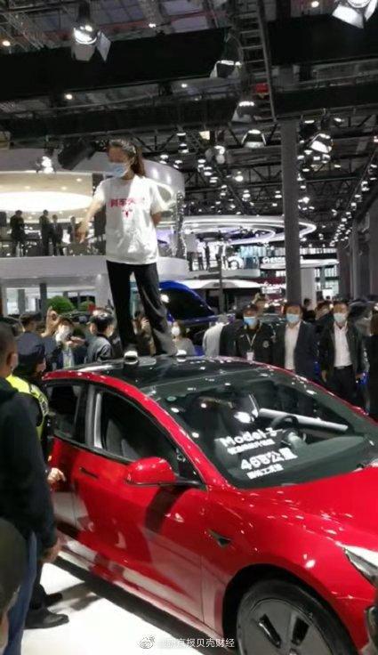 """特斯拉汽车回复买车人消费者维权:""""刹车故障""""引关心"""