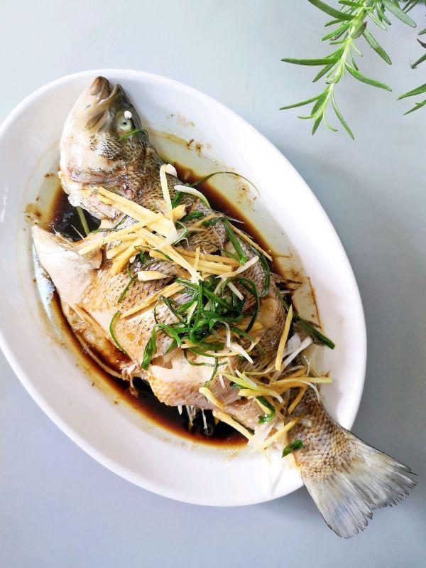鲈鱼清蒸的做法,肉质鲜嫩‼️超简单零失败的清蒸鲈鱼