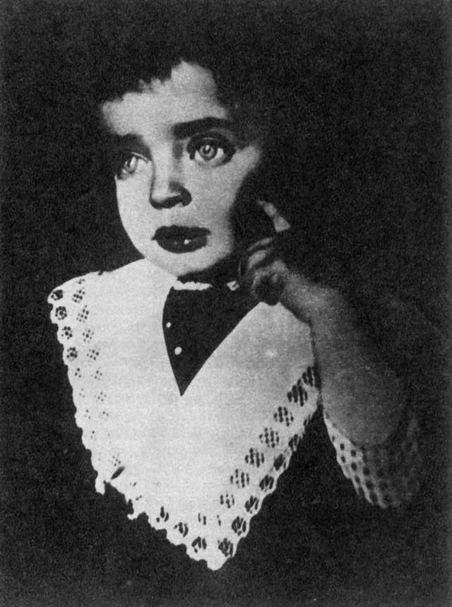 希尔薇忍耐的极限图片,茨维塔耶娃之女回忆母亲:从来不降低水平,迁就孩子   一诗一会