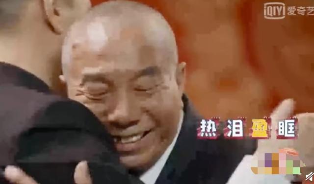 孙红雷时隔多年一眼认出《潜伏》群演 二人拥抱泪洒现场 全球新闻风头榜 第6张