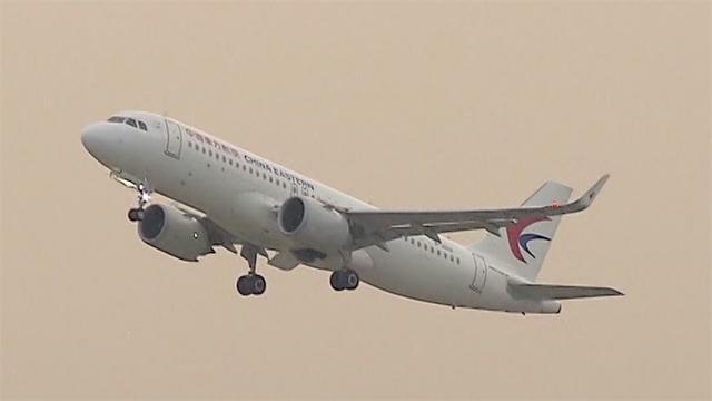 旅客自称新冠患者致飞机滑出后返航 其首次核酸检测为阴性 全球新闻风头榜 第1张