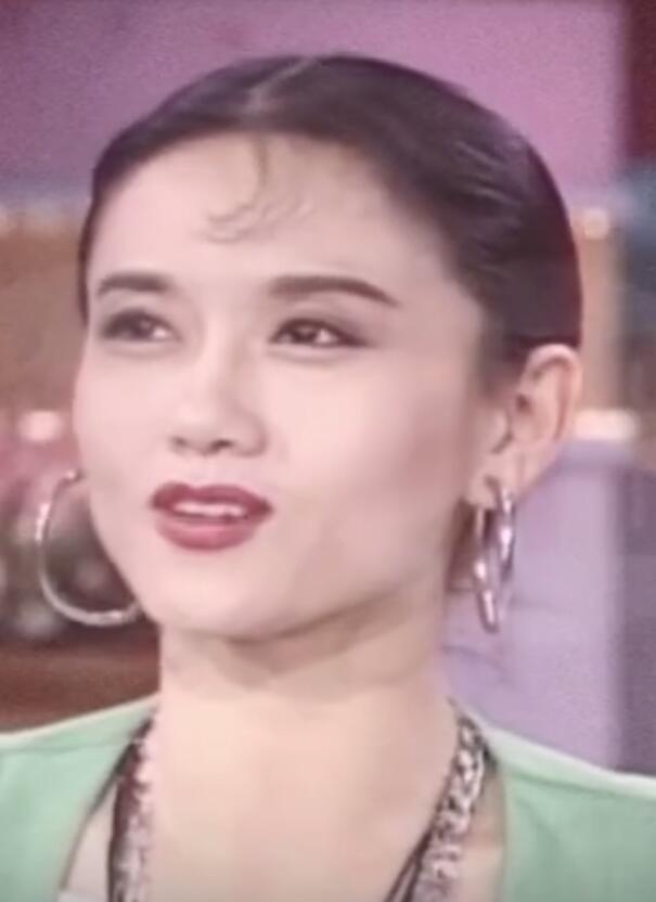 杨丽萍图片,被惊艳到了!年轻时的杨丽萍美的不可方物