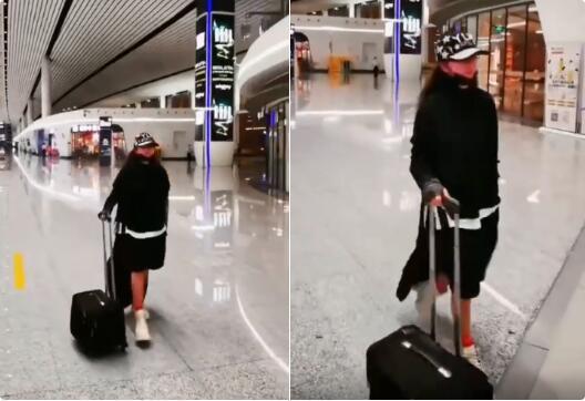 杨丽萍图片,62岁杨丽萍近况曝光,身材消瘦不忍直视,网友:被孔雀公主束缚一生