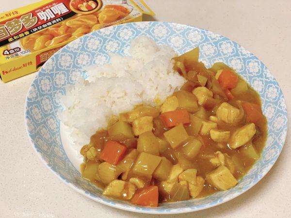 咖喱鸡肉土豆的做法,#巨下饭的家常菜#土豆鸡肉咖喱饭
