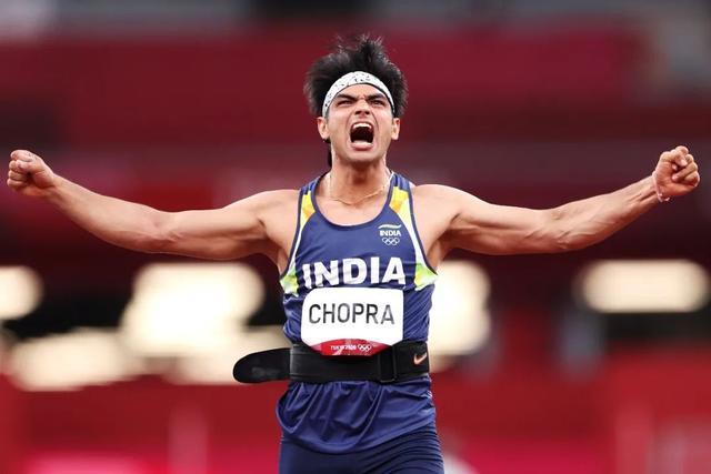 """""""印度英雄""""一出机场就被包围了...... 全球新闻风头榜 第4张"""