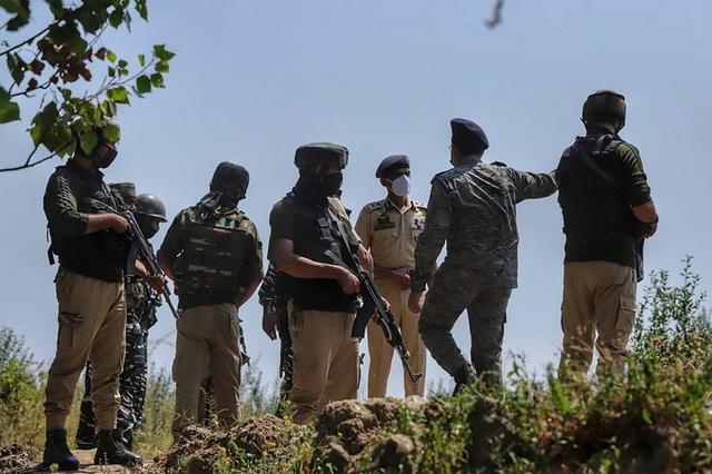 印军与武装人员交火,再有2名士兵被发现死亡
