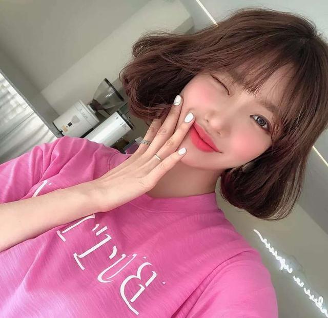 女生短发发型图片,2020超甜短发收集齐了,都是时尚减龄显脸小的发型,短发控get
