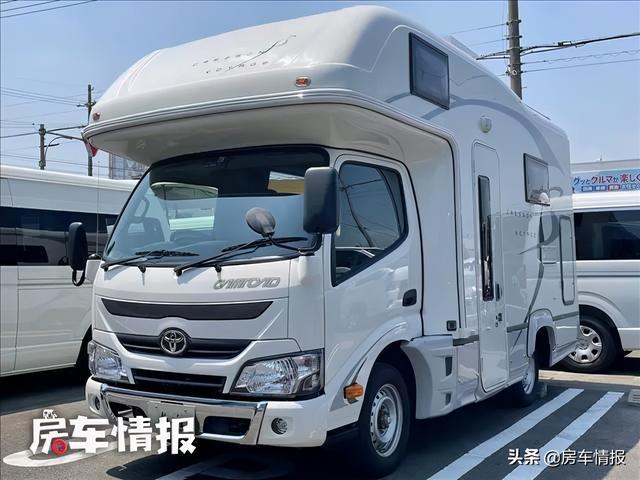 房车内部图片,丰田四驱轻卡房车,柴油动力自动挡,长度仅4.9米内部空间却很大