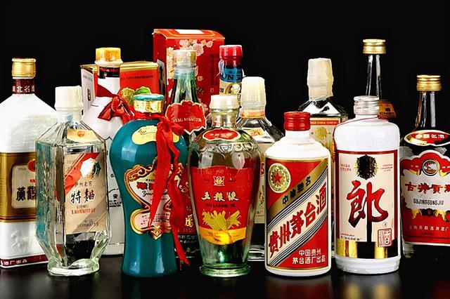 纯粮酒有哪些品牌,春节到!这5种低价纯粮白酒,送礼拿不出手,却很适合好哥们豪饮