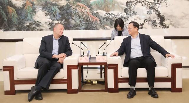 投资公司,康军会见法国电力集团(中国)投资有限公司执行副总裁罗兰