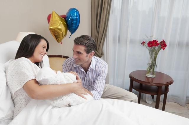 婴儿头上,新生儿的日常头部护理,这些细节你关注过吗?