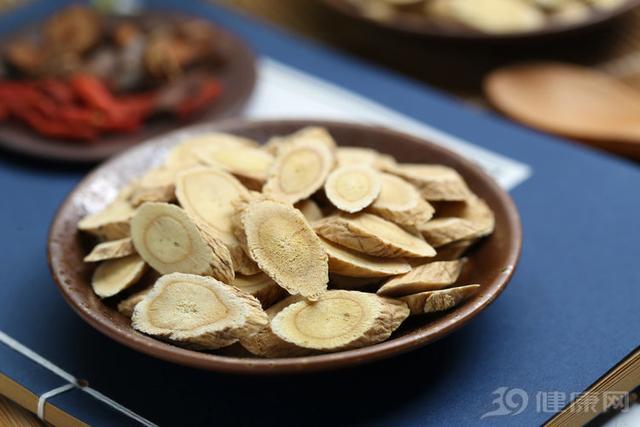 黄芪的吃法,黄芪是补气好药,常吃身体好!三种吃法任你选