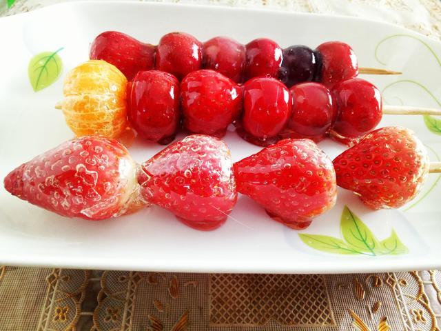 糖葫芦的做法,下雪了,教你在家做冰糖葫芦,详细做法,酸酸甜甜还是那个味