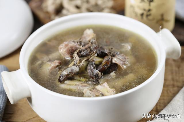 蝉花的吃法,秋冬不可辜负的美食,金蝉花炖老鸭汤,一口鲜香入喉,全家都爱