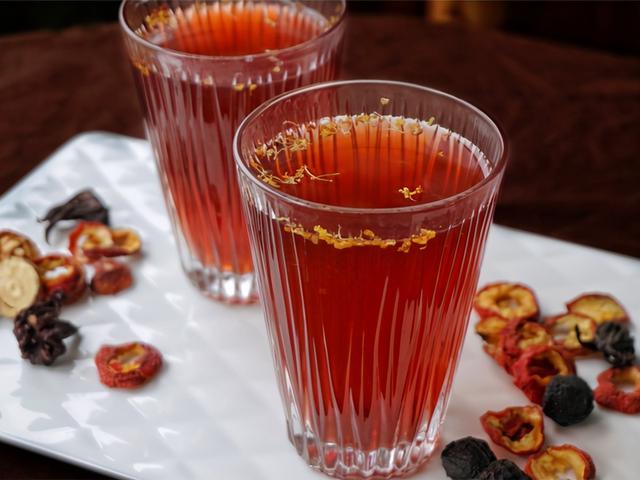 酸梅汤的做法与配方,古法熬制酸梅汤,炎夏喝一杯,酸甜可口,冰镇解渴,消掉不少暑气