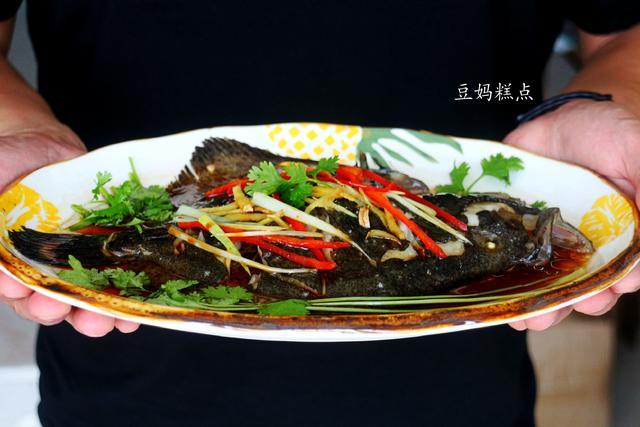多宝鱼的做法,清蒸多宝鱼的做法,简单几步,鱼肉鲜美没有刺,特别适合孩子