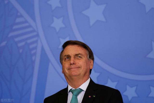 活久见!巴西总统来到现场观看足球赛,却因没接种疫苗被拒绝进入