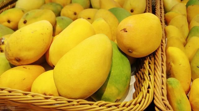 芒果品种,芒果季到了,贵妃芒、金煌芒、小台芒,哪种更好吃?知道后别买错