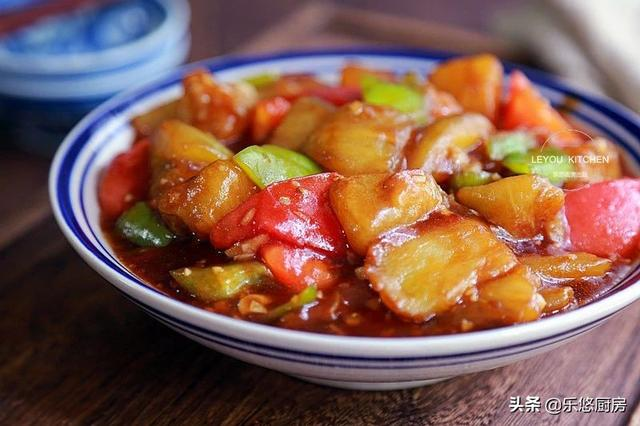 茄子怎么做好吃,做茄子别总油炸,3种吃法,只用炒菜的油量,不油不腻,特别下饭