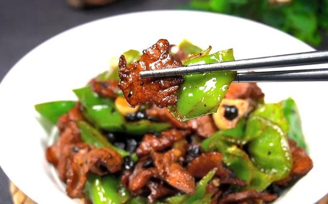 辣椒炒肉的做法,辣椒炒肉的正确做法,简单好做,开胃下饭,厨房小白看了也会做