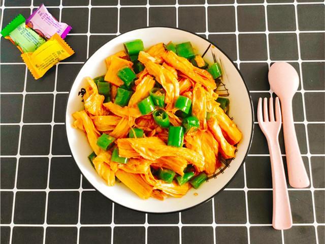 腐竹的做法大全,喜欢吃腐竹的要收藏,教你个简单快速又好吃的做法,天天吃不腻