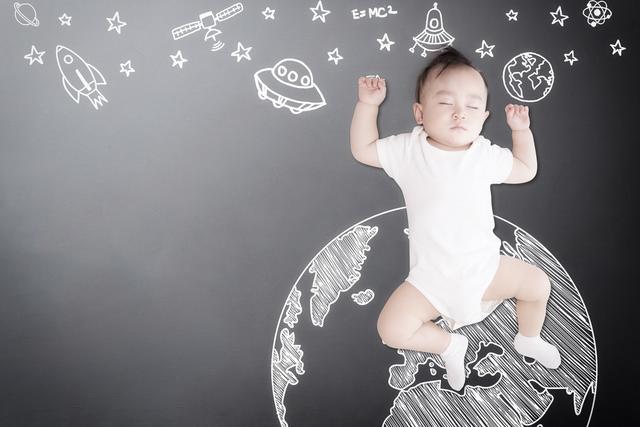 4个月婴儿,4到8个月的孩子,若有10种表现代表不正常,妈妈尽快带娃看医生