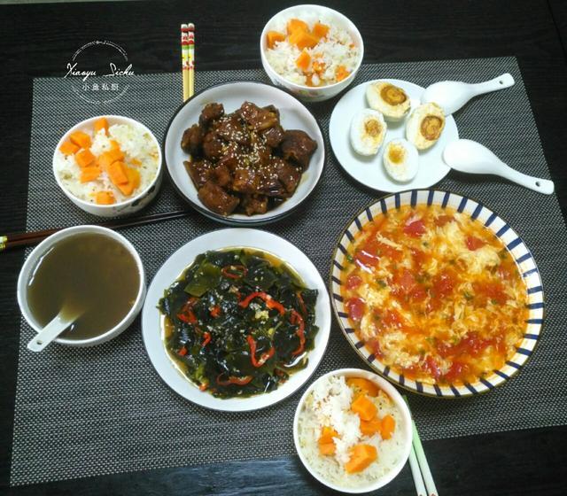 螺旋藻的吃法,一家三口的晚餐在朋友圈火了,好吃不浪费,网友:会做饭真好
