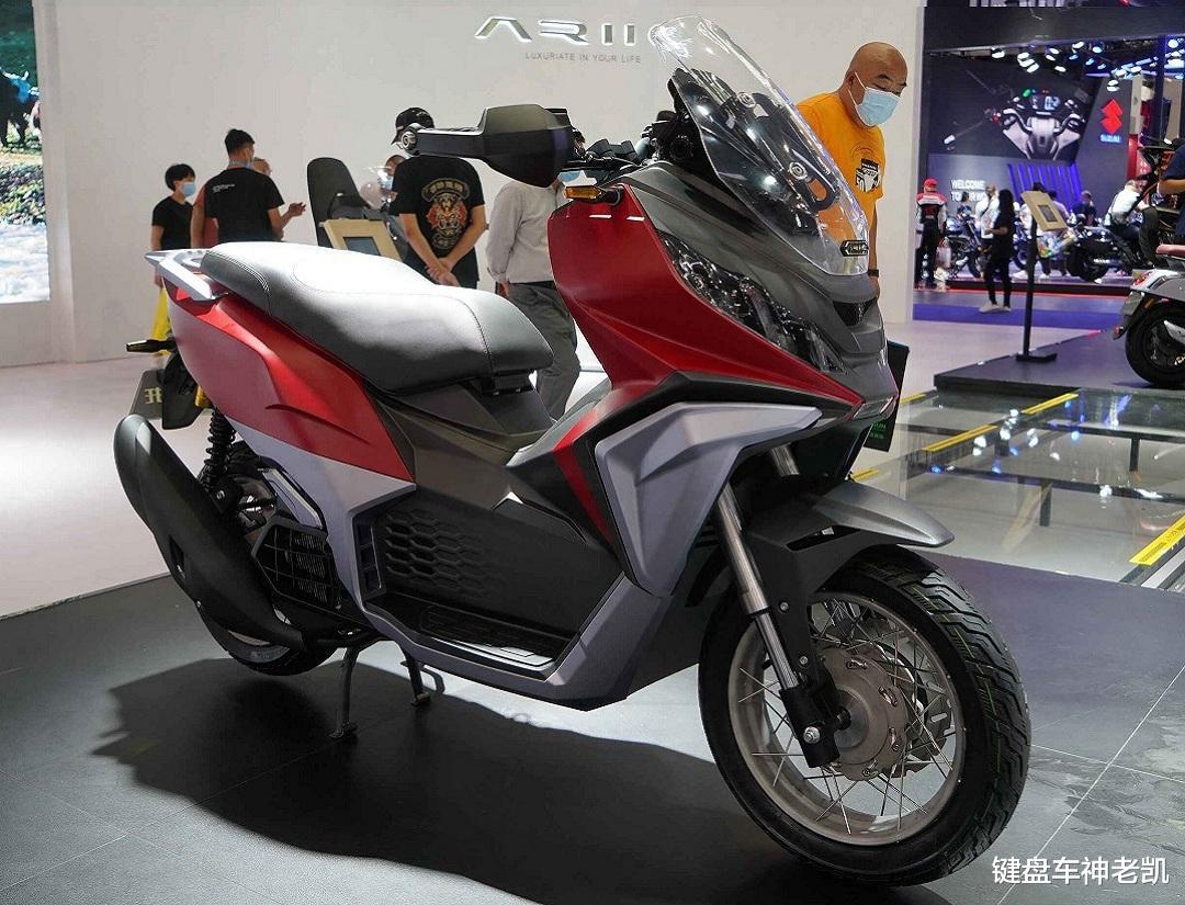 """国产首款使用辐条轮+真空胎的ADV踏板,力刻""""戈壁""""登场"""