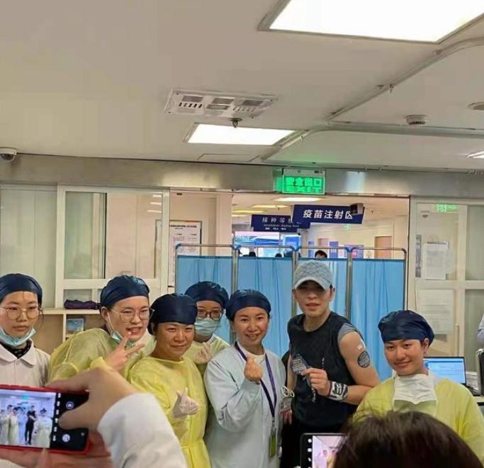 萧敬腾在上海接种国药疫苗 经纪人更直言接种疫苗是世界趋势