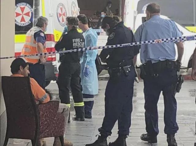 悉尼女子在路上玩手机,被车撞飞,当场身亡