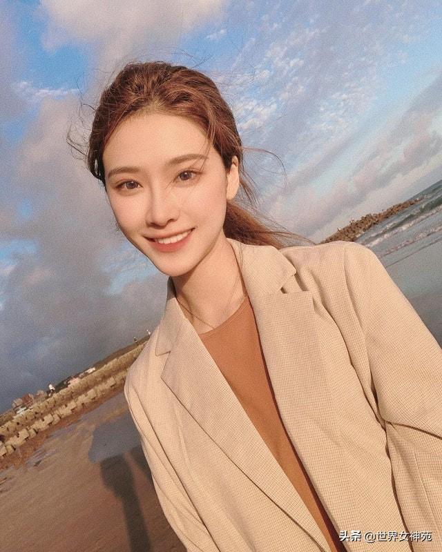 台湾新晋外拍女神 高冷美貌清秀脱俗,宛如仙女下凡