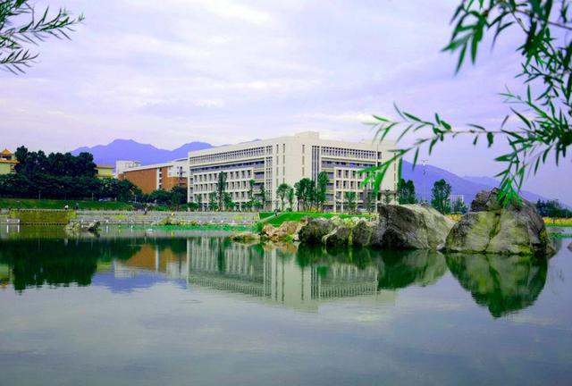 肇庆西江大学:广东省招收美术专业的本科院校有哪些?