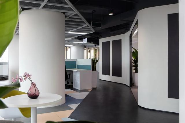 让员工喜欢上班的办公室装修