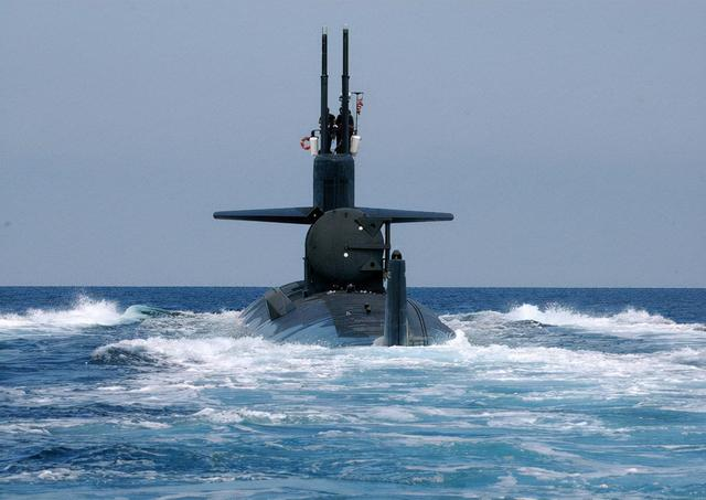 一觉醒来,澳大利亚将成第10核大国?美国下血本扶持,南海当心